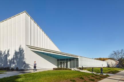 Press kit | 2353-01 - Press release | TREC - ikon.5 architects - Institutional Architecture - Entrance at Southeast Corner - Photo credit: Jeffrey Totaro