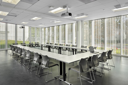 Press kit | 2353-01 - Press release | TREC - ikon.5 architects - Institutional Architecture - Sub-dividable Conference | Classroom space - Photo credit: Jeffrey Totaro