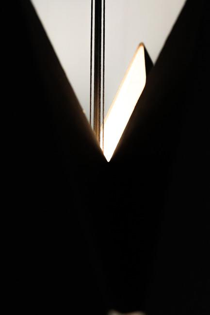 Press kit | 2489-01 - Press release | inMOOV - Studio Nina Lieven - Lighting Design - inMOOV black - Photo credit:  James Wendlinger 2016