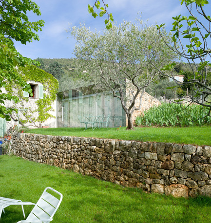 Press kit | 2433-01 - Press release | Maison SPE - ELLENA MEHL Architectes - Residential Architecture - walls and extension - Photo credit: Hervé ELLENA