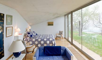 Press kit | 2433-01 - Press release | Maison SPE - ELLENA MEHL Architectes - Residential Architecture - bedroom - Photo credit: Hervé ELLENA