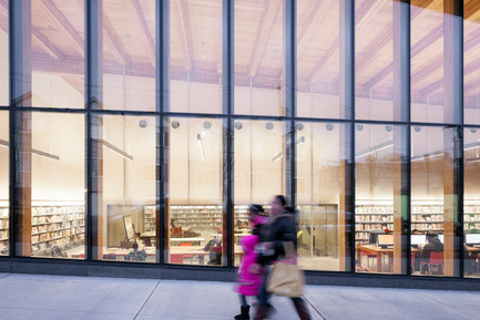 Press kit | 2570-01 - Press release | New York Public Library Stapleton Branch - Renovation and Expansion - Andrew Berman Architect - Institutional Architecture -  View from street<br>  - Photo credit:  Naho Kubota