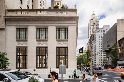 Press kit | 1559-01 - Press release | Bohlin Cywinski Jackson Receives Special Commendation for Apple Store, Upper East Side - Bohlin Cywinski Jackson - Commercial Interior Design - Apple Store, Upper East Side - Photo credit: Peter Aaron
