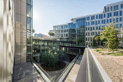 Press kit | 1008-04 - Press release | Headquarter Veolia - Dietmar Feichtinger Architectes - Commercial Architecture - Gardens and terraces - Photo credit: Hertha Hurnaus