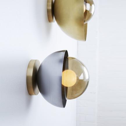 Press kit | 1665-02 - Press release | Lightmaker Studio Makes U.S. Debut at ICFF NY 2017 - Lightmaker Studio - Lighting Design - Curve Wall Sconce - Photo credit: Naomi Finlay
