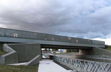 Press kit | 2366-01 - Press release | Un nouveau viaduc pour le Campus MIL de l'Université de Montréal - civiliti - Urban Design - View of zigzagging retaining walls - Photo credit: civiliti