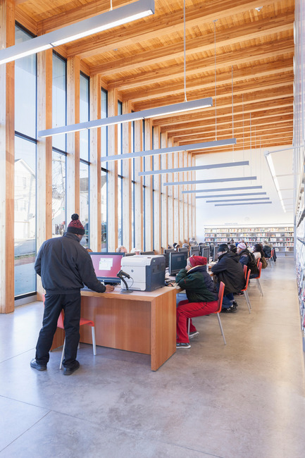 Dossier de presse | 2570-01 - Communiqué de presse | New York Public Library Stapleton Branch - Renovation and Expansion - Andrew Berman Architect - Architecture institutionnelle - Adult area - Crédit photo : Naho Kubota
