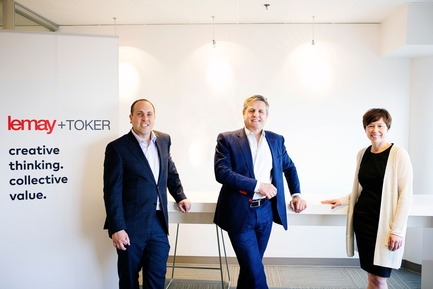 Press kit | 865-25 - Press release | Lemay Broadens Western Canada Reach with Toker + Associates Merger - Lemay - Commercial Architecture -  From left to right: Eric Toker, Louis T. Lemay et Dedre Toker  - Photo credit: Kerri Singh, 2Create Photography