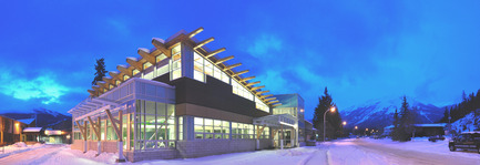 Press kit | 865-25 - Press release | Lemay Broadens Western Canada Reach with Toker + Associates Merger - Lemay - Commercial Architecture - Jasper Fitness & Aquatic Centre  - Photo credit:  Grace Coulter