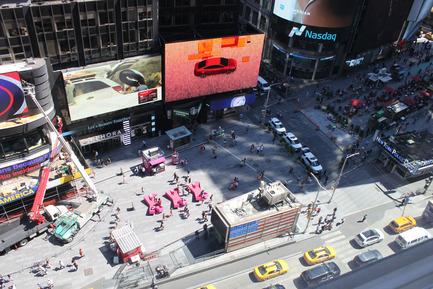 Dossier de presse | 1305-01 - Communiqué de presse | XXX Times Square with Love - J.MAYER.H und Partner, Architekten - Art - XXX Times Square with Love - Crédit photo : Rob Kassabian