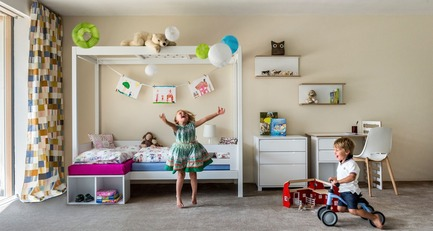 Press kit | 2473-01 - Press release | TICIA The Growing Bed - Complojer for kids - Product - Ticia Twins - cosy and safe space to play - Photo credit: complojerforkids