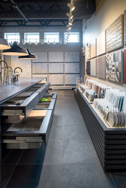 Press kit | 846-22 - Press release | Kitchen Plumbing Fixtures Now Available at Ceragres Carré Union - Ceragres - Commercial Interior Design - The Kitchen Gallery - Ceragres Carre Union Boutique Workspace - Photo credit: Loic Romer