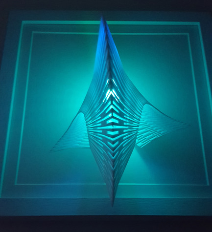 Dossier de presse | 2121-06 - Communiqué de presse | Seismic Electromagnetic Induction LED - Margot Krasojević Architects - Design d'éclairage - 3D printed diffuser net - Crédit photo : Margot Krasojević