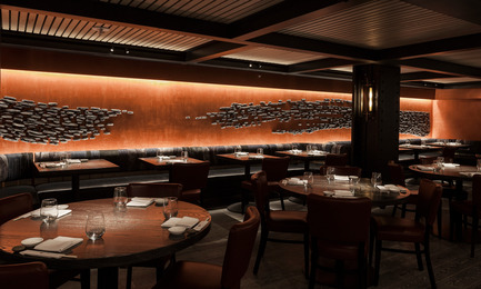 Press kit | 1082-03 - Press release | L'artiste céramiste Pascale Girardin présenteses installations pour le restaurant Nobu Downtown - Pascale Girardin - Art -  Nobu Downtown, NY, New York<br>Murale Sumi-e par Pascale Girardin<br>Design d'intérieur: Rockwell group  - Photo credit: Stephany Hildebrand