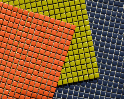 Press kit | 846-07 - Press release | Céragrès affiche ses couleurs ! - Céragrès - Produit - Série MANO - Navy Mat, Orange mat, Lime glassRavivez votre mur avec cette mosaïque artisanale et ses 12 choix de couleurs. Disponible en format 0,5'' x 0,5'', fini matt ou gloss.MANO Series - Navy Mat, Orange mat, Lime glassInvigorate your wall with this handcrafted mosaics in a choice of 12 colours. Available in a 0.5'' x 0.5'' size, matte or glossy finish. - Photo credit: Céragrès
