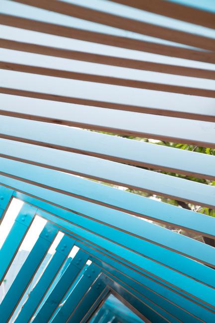 Dossier de presse | 2664-01 - Communiqué de presse | La Vague - Arcadia Studio - Design urbain -  Les sept tons de bleu  - Crédit photo : Alexandre Guilbeault