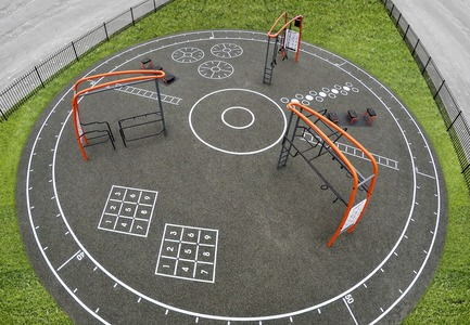 Press kit | 2487-01 - Press release | New Outdoor Fitness is a Game Changer - KOMPAN - Product - Top view - Photo credit: KOMPAN