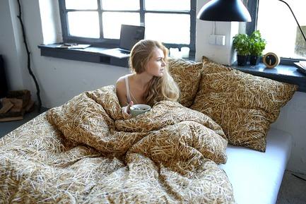 Press kit   2502-01 - Press release   Augmented Reality Bed Sheets - Hayka - Product - Straw bedding - Photo credit: Piotr Miazga