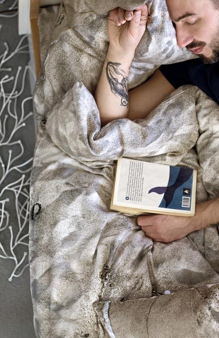 Press kit   2502-01 - Press release   Augmented Reality Bed Sheets - Hayka - Product - Beach sand bedding - Photo credit: Hayka