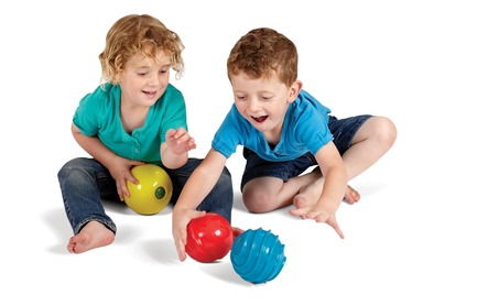 Press kit | 2563-01 - Press release | Fun Z Balls - Edushape - Industrial Design - Photo credit: Alan Chapelski