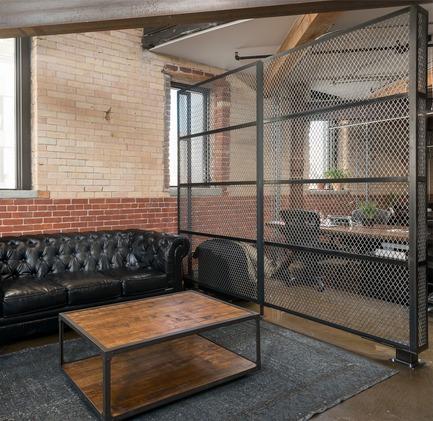Dossier de presse | 734-03 - Communiqué de presse | VICE - Martha Franco Architecture & Design / Roker Construction - Design d'intérieur commercial - Crédit photo : Corey Kaminski