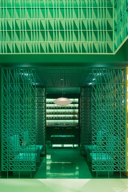 Dossier de presse | 1080-24 - Communiqué de presse | World Interior of the Year 2017: A Floating Bar, a Jade Green Spa, and a Futuristic Mathematics Gallery Among Shortlist - INSIDE: World Festival of Interiors - Concours - <br> - Crédit photo : Nimman Spa in Shanghai by Maos Design Shortlisted in the Hotels<br>category.