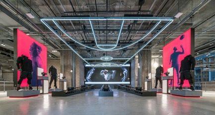 Dossier de presse | 1080-24 - Communiqué de presse | World Interior of the Year 2017: A Floating Bar, a Jade Green Spa, and a Futuristic Mathematics Gallery Among Shortlist - INSIDE: World Festival of Interiors - Concours - Crédit photo : Adidas NYC by Adidas with Checkland Kindleysides and Gensler, shortlisted in the Retail category.