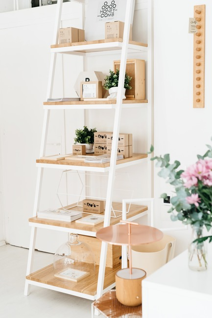 Dossier de presse | 2498-01 - Communiqué de presse | Small Studio With Great Love For Design - –Love, Ana. design studio - Lifestyle - Stairway detail - Crédit photo : Mateja Vrckovic
