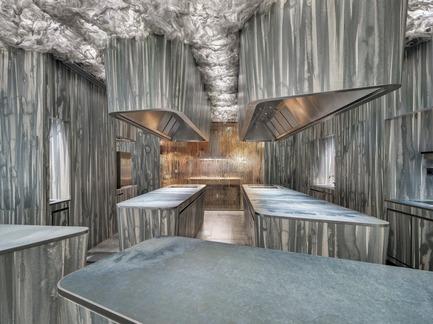 Dossier de presse   1328-01 - Communiqué de presse   Un air de mystère – C'est ENIGMA - Neolith® by TheSize - Design d'intérieur commercial - ENIGMA restaurant, Barcelona, Spain - Crédit photo : Neolith® by TheSize