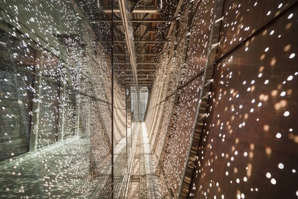 Press kit | 809-21 - Press release | AZURE Reveals the Winners of the 2017 AZ Awards - AZURE - Competition -  CHUM Passerelle, Montreal, Canada<br>CannonDesign (Toronto, Canada) and NEUF Architect(e)s:Montreal, Canada<br>Best Lighting Installations - 2017 AZ Awards  - Photo credit: AZURE