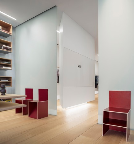 Dossier de presse | 2257-02 - Communiqué de presse | Photographer's Loft - Desai Chia Architecture PC - Residential Interior Design - Library detail. - Crédit photo : Paul Warchol