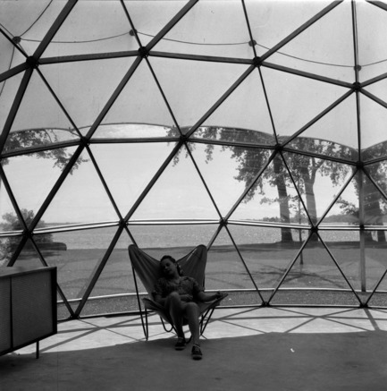 Dossier de presse | 748-32 - Communiqué de presse | Montréal et le rêve géodésique : exposition au Centre de design de l'UQAM - Centre de design de l'UQAM - Évènement + Exposition - Jeffrey Lindsay, Skybreak, 1951 - Crédit photo :  Copyright : Fonds Jeffrey Lindsay, Archives d'architecture canadienne, Université de Calgary.