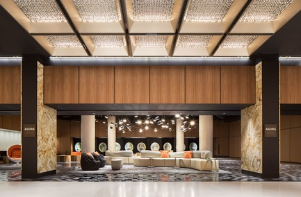 Dossier de presse | 1303-04 - Communiqué de presse | The Transformation of Fairmont The Queen Elizabeth Hotel, as Seen by its Designers - Sid Lee Architecture - Commercial Interior Design - THE AGORA - Crédit photo : STÉPHANE BRUGGER