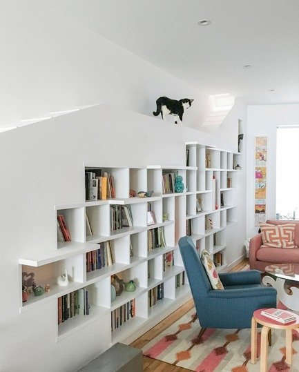 Press kit | 2875-01 - Press release | House for Booklovers and Cats - BFDO Architects - Residential Interior Design - Photo credit: Francis Dzikowski/OTTO