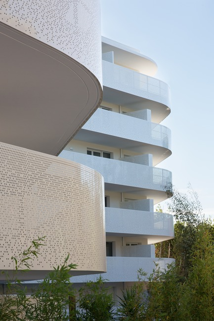 Press kit | 1151-04 - Press release | La Barquière - Pietri Architectes - Residential Architecture - Photo credit: Nicolas Vaccaro
