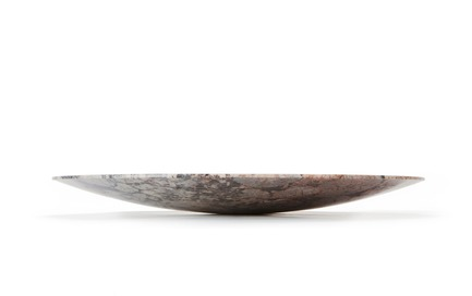 "Dossier de presse | 990-05 - Communiqué de presse | Out with Marble: KAYIWA Proves That Granite Has Always Been ""In"" - KAYIWA - Produit - HAMARA Platter - Orbicular Proto - Crédit photo : KAYIWA"