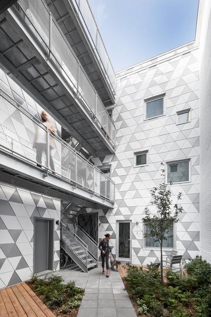 Press kit | 1676-01 - Press release | La Géode - ADHOC Architectes - Residential Architecture - Photo credit: Adrien Williams