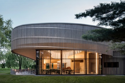 Press kit | 1117-03 - Press release | The Îles-de-Boucherville National Park Wins Several Architecture Prizes - Smith Vigeant architectes - Institutional Architecture - The heart of the tree - Photo credit: Adrien Williams