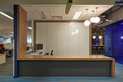 Press kit | 2757-03 - Press release | HGA San Francisco Unveils RealPage Headquarters - HGASan Francisco - Commercial Architecture - The neighborhood concept helps make the office spaces feel more intimate. - Photo credit: Benny Chan Photography