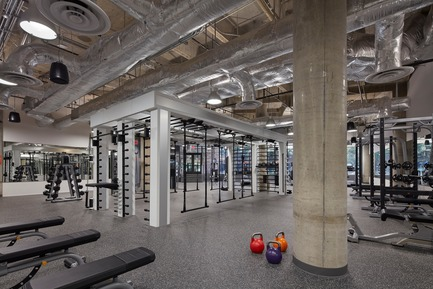 Dossier de presse | 2757-03 - Communiqué de presse | HGA San Francisco Unveils RealPage Headquarters - HGASan Francisco - Commercial Architecture - The design for the RealPage fitness center lets in natural light and frames the outside view. - Crédit photo : Benny Chan Photography