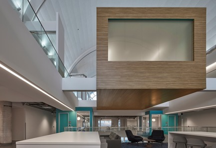 Press kit | 2757-03 - Press release | HGA San Francisco Unveils RealPage Headquarters - HGASan Francisco - Commercial Architecture - HGA San Francisco cantilevered huddle rooms to create focal points within the central, three-story atrium. - Photo credit: Benny Chan Photography