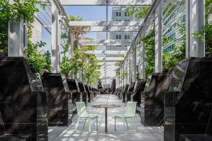 Press kit | 821-04 - Press release | MTL Collection - Equiparc & Dikini - Landscape Architecture -  MTL Bistro Table and Chair - Photo credit: Myriam Menard photography