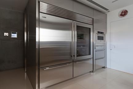 Press kit | 3039-01 - Press release | AQHApartment - Coletivo Arquitetos - Residential Interior Design - Kitchen  - Photo credit: RuiTeixeira