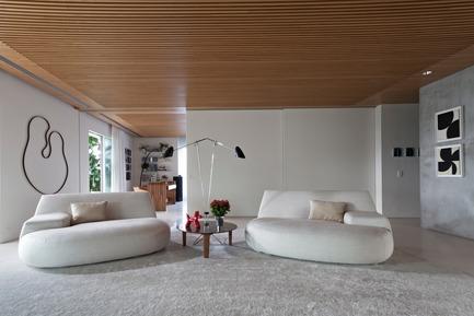 Press kit | 3039-01 - Press release | AQHApartment - Coletivo Arquitetos - Residential Interior Design - Living Room - Photo credit: RuiTeixeira