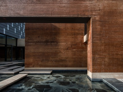 Press kit | 3044-01 - Press release | Sanbaopeng Art Museum - DL Atelier - Institutional Architecture - loam walls - Photo credit: Haiting Sun