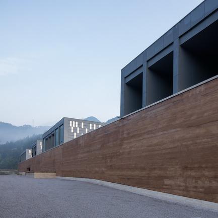Dossier de presse | 3044-01 - Communiqué de presse | Sanbaopeng Art Museum - DL Atelier - Institutional Architecture - north facade - Crédit photo : Haiting Sun