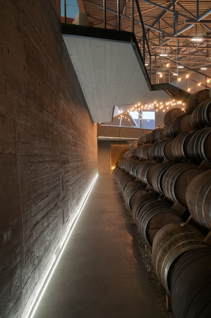 Press kit | 2873-01 - Press release | Wine and Brandy Distillery Museum & Warehouse for Alliance-1892 - TOTEMENT/PAPER - Commercial Architecture - Wine and Brandy Distillery Museum & Warehouse - Photo credit:  Gleb Leonov