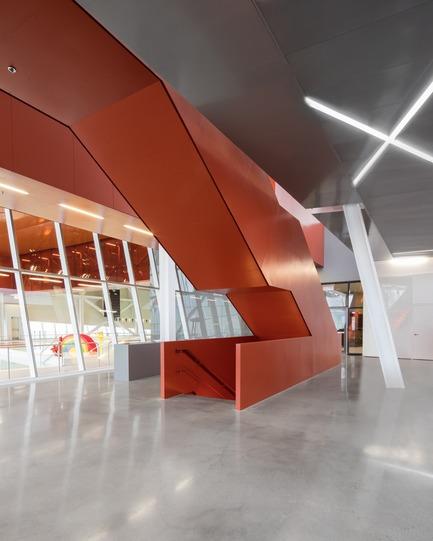 Press kit | 2206-02 - Press release | Complexe sportif Saint-Laurent - Saucier + Perrotte Architectes/HCMA - Institutional Architecture -  Main entrance lobby - Photo credit: Olivier Blouin