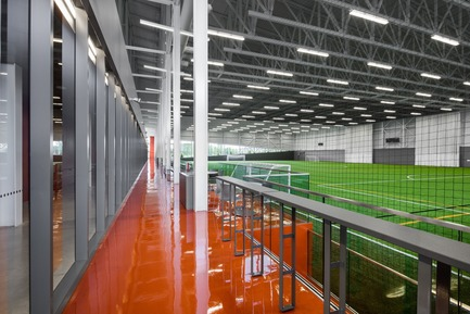 Press kit | 2206-02 - Press release | Complexe sportif Saint-Laurent - Saucier + Perrotte Architectes/HCMA - Architecture institutionnelle - Terrain intérieur<br> - Photo credit: Olivier Blouin