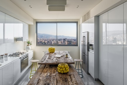 Press kit | 2769-03 - Press release | Mallorca - Askdeco - Residential Interior Design - -Kitchen by Alno kitchens<br>-Wood erosion table top designed by Askdeco - Photo credit: Alex Jeffries&nbsp;